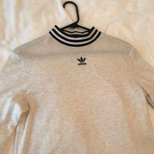 Women's adidas sweater (Size: M)